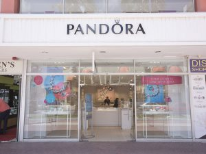 Pandora aruba store renovation mexim aruba