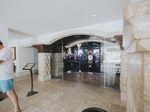 Record sliding door Hyatt Casino Mexim Caribbean